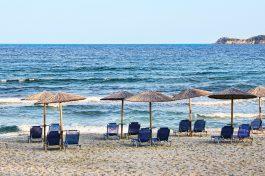 Plastica al bando dalle spiagge toscane