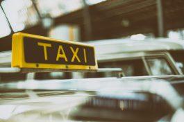 Taxi e ncc possono effettuare consegne a domicilio